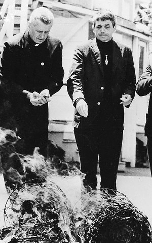 Berrigan Brothers burning draft records